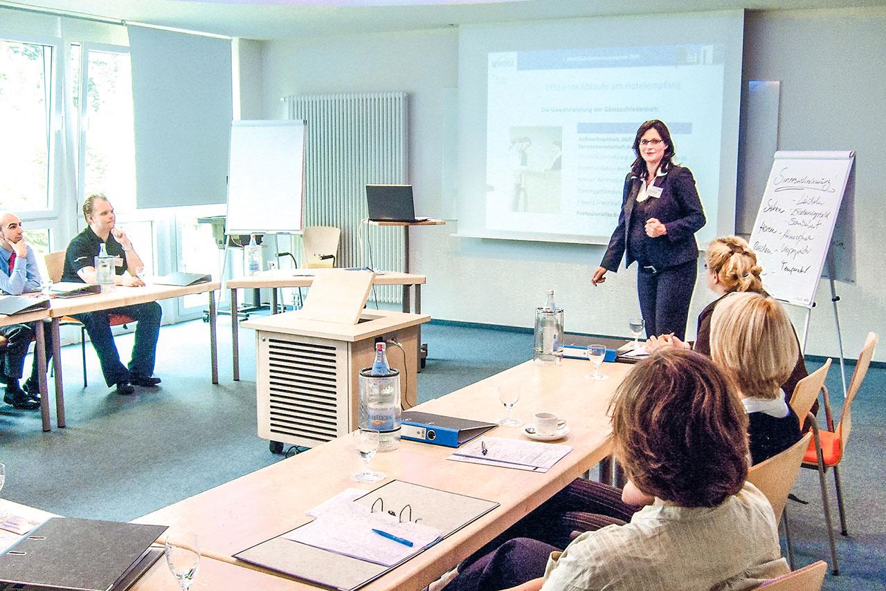WIHOGA_Hotelfachschule_Dortmund_Web_1280x855_Seminare